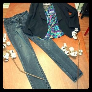 Great 3 piece Outfit! AE Jeggings